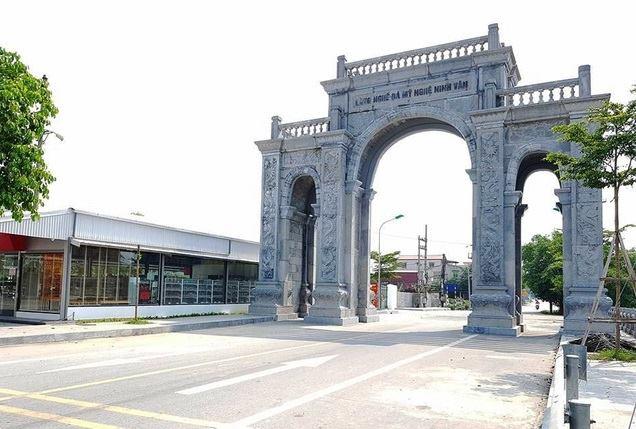 Du lịch ninh bình tham quan cổng tam quan đá