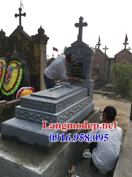 Mẫu mộ công giáo đẹp xây bằng đá xanh 05