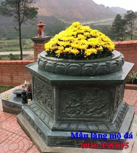 Mẫu mộ lục lăng bằng đá xanh rêu tự nhiên nguyên khối
