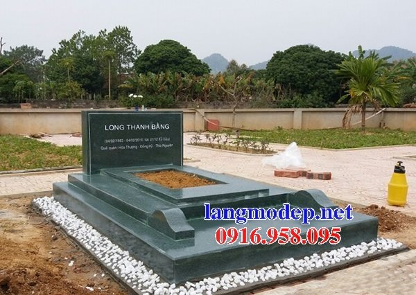 Mẫu mộ đá xanh rêu tam cấp thiết kế hiện đại đẹp