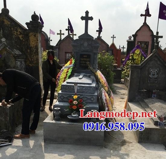 61 Mẫu mộ đạo thiên chúa công giáo bằng đá tự nhiên nguyên khối đẹp tại Tiền Giang