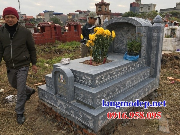 95 Mẫu mộ tam cấp bằng đá chạm khắc hoa văn đẹp bán tại Sóc Trăng