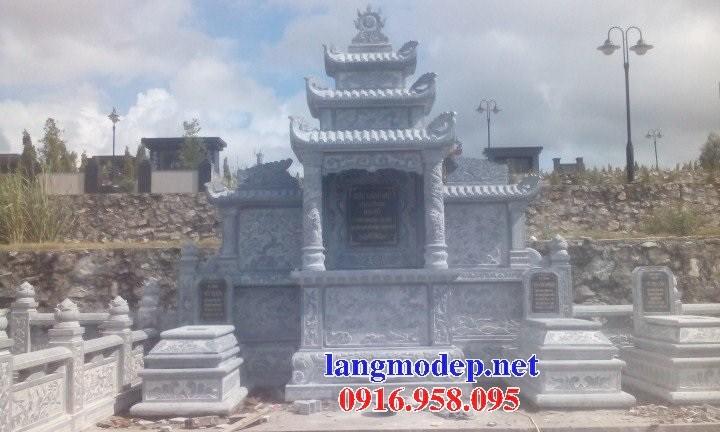 93 Mẫu mộ tam cấp bằng đá tự nhiên nguyên khối đẹp bán tại Ninh Bình