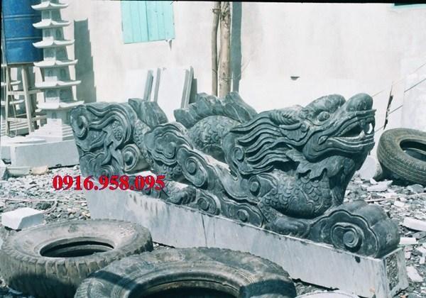 Mẫu rồng từ đường nhà thờ họ đình đền chùa miếu bằng đá xanh rêu cao cấp tại Tiền Giang