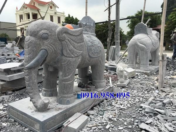 Mẫu voi phong thủy nhà thờ họ đình đền chùa miếu bằng đá vàng tại Hậu Giang