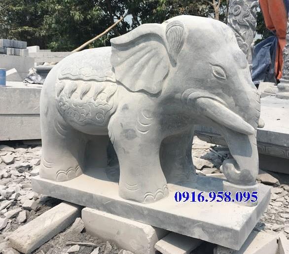 Mẫu voi phong thủy nhà thờ họ bằng đá tại Tiền Giang