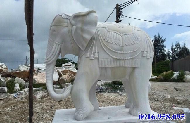 Mẫu voi phong thủy nhà thờ họ từ đường đình đền chùa miếu bằng đá trắng tự nhiên tại Hậu Giang