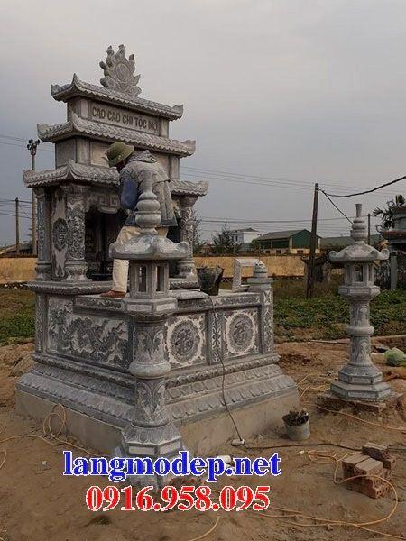 Mẫu mộ đôi gia đình ba mái bằng đá điêu khắc long phụng tại An Giang