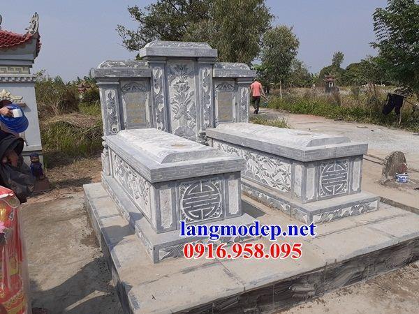 Mẫu mộ đôi gia đình ba mái bằng đá chạm khắc hoa văn tinh xảo tại An Giang