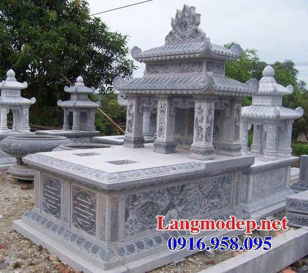 Mẫu mộ đôi gia đình dòng tộc hai mái bằng đá chạm khắc hoa văn tinh xảo tại Bạc Liêu