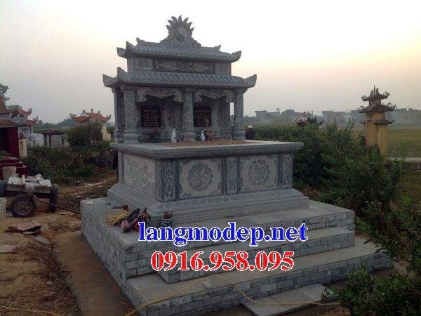 Mẫu mộ đôi gia đình hai mái bằng đá cất để tro cốt hỏa táng tại An Giang