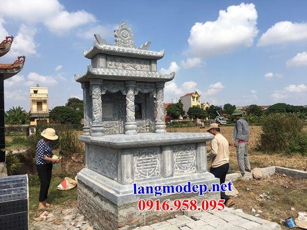 Mẫu mộ đôi gia đình hai mái bằng đá xanh Thanh Hóa bán tại Bình Phước