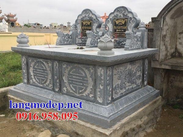 Mẫu mộ đôi gia đình không mái bằng đá điêu khắc long phụng tại Bắc Kạn