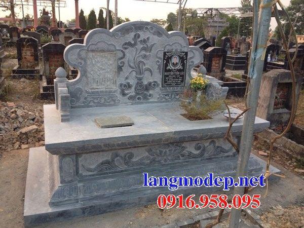 Mẫu mộ đôi gia đình không mái bằng đá cất để tro hài cốt hỏa táng tại Đồng Nai