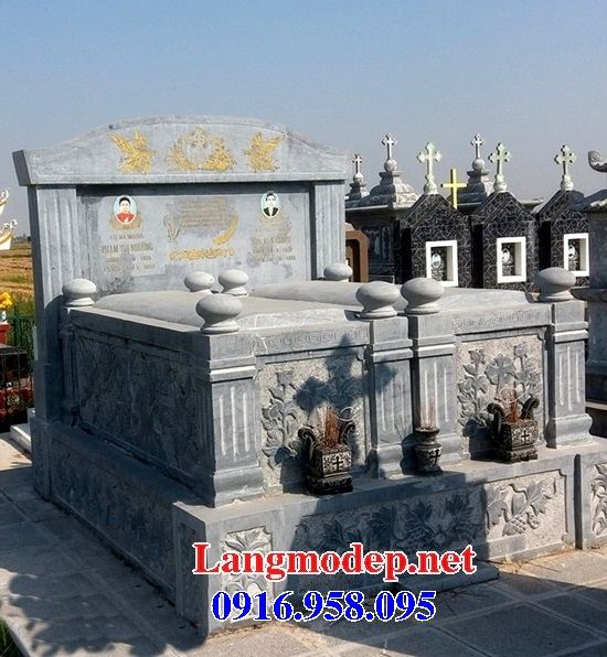 Mẫu mộ đôi gia đình không mái bằng đá cất để tro hài cốt hỏa táng tại Ninh Bình