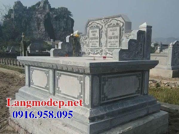 Mẫu mộ đôi gia đình không mái bằng đá tự nhiên nguyên khối tại Đồng Nai