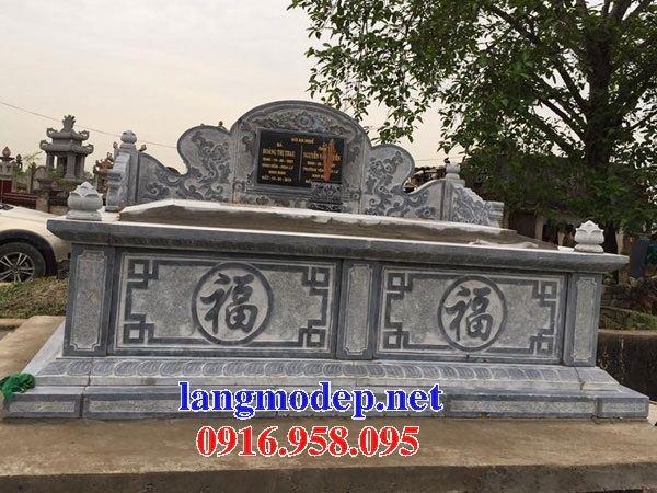 Mẫu mộ đôi gia đình không mái bằng đá tự nhiên nguyên khối tại Đồng Tháp