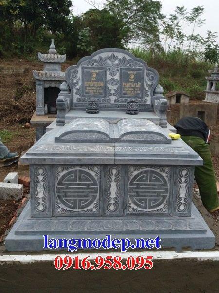 Mẫu mộ đôi gia đình không mái bằng đá tự nhiên nguyên khối tại Bắc Kạn