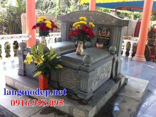 Mẫu mộ đôi gia đình không mái bằng đá tự nhiên nguyên khối tại Ninh Bình