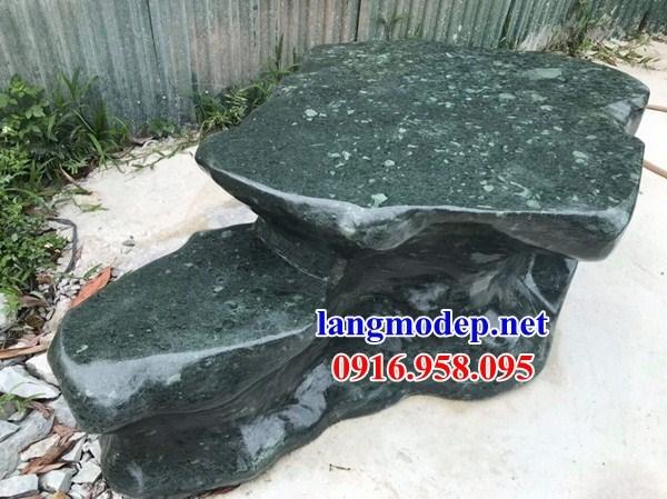 8 Bộ bàn ghế ngoài sân vườn biệt thự bằng đá xanh rêu đẹp