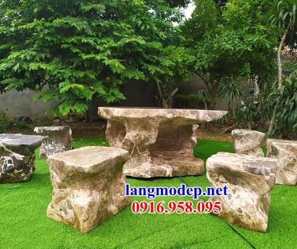9 Bộ bàn ghế sân vườn bằng đá đẹp nhất hiện nay