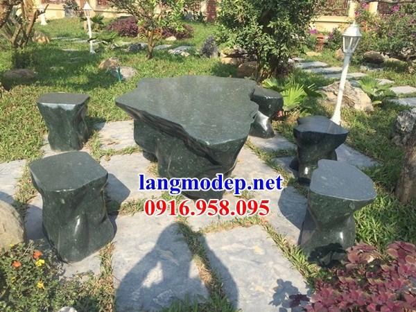 Mẫu bộ bàn ghế đá xanh rêu nguyên khối đẹp