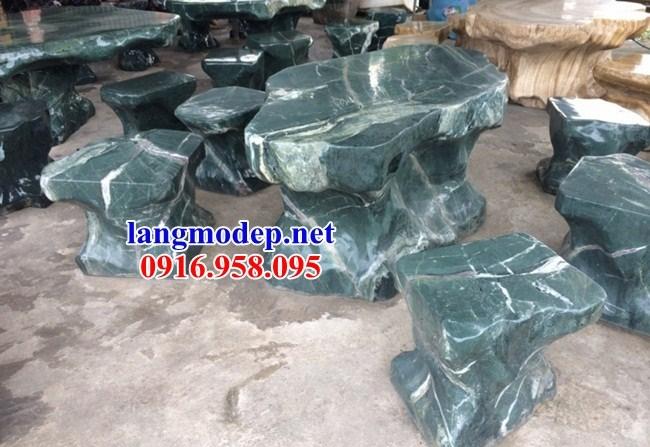 Mẫu bộ bàn ghế đá xanh thạch bích tự nhiên nguyên khối đẹp