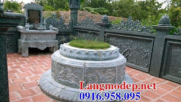 Lăng mộ tròn để hài cốt bằng đá chạm khắc hoa văn tinh xảo tại Cần thơ
