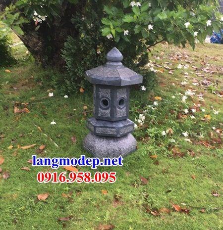 Mẫu đèn sân vườn tiểu cảnh bằng đá đẹp năm 2021
