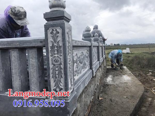 Hàng rào đá khu lăng mộ tại Đồng Tháp