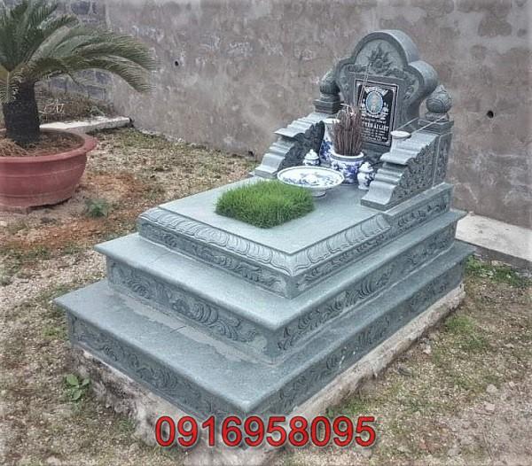 Mộ đá xanh rêu dạng tam cấp giá tốt