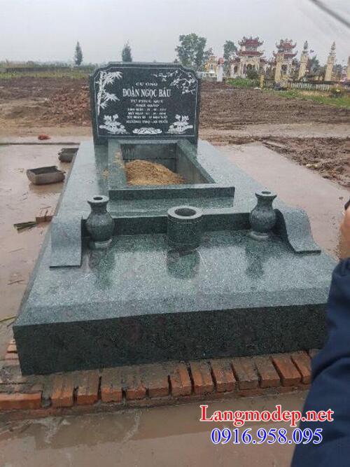 mộ đá xanh rêu đẹp